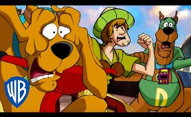 Scooby-Doo! | Scooby and Shaggy On The Run!